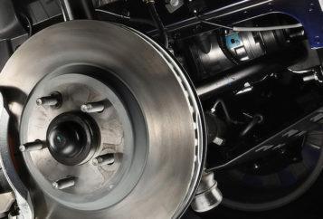 Замена тормозных колодок и тормозных дисков